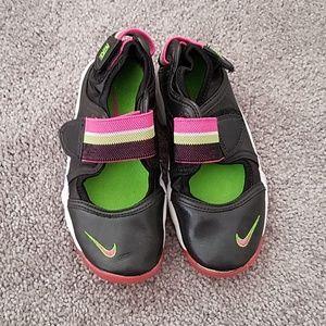 Nike sneakers size 11 girl